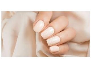 Especialize-se em manicure profissional sem sair de casa