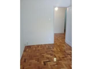 Apartamento de 02 quartos no Andarai