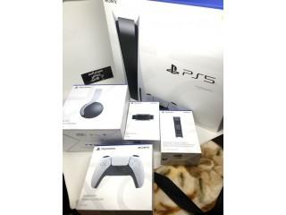 Sony PlayStation5 (PS5) Pacote Console Disco / blu-ray, 2 controladores + cinco jogos grátis